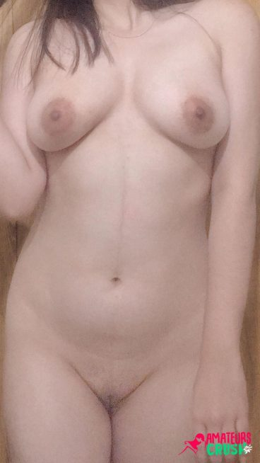 Sexy Desi bald pussy homemade ex porn pic