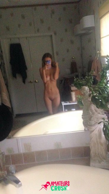 Tight nude teen selfie beautiful titties porn