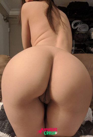 Beautiful big ass girl naked pussy from behind porn